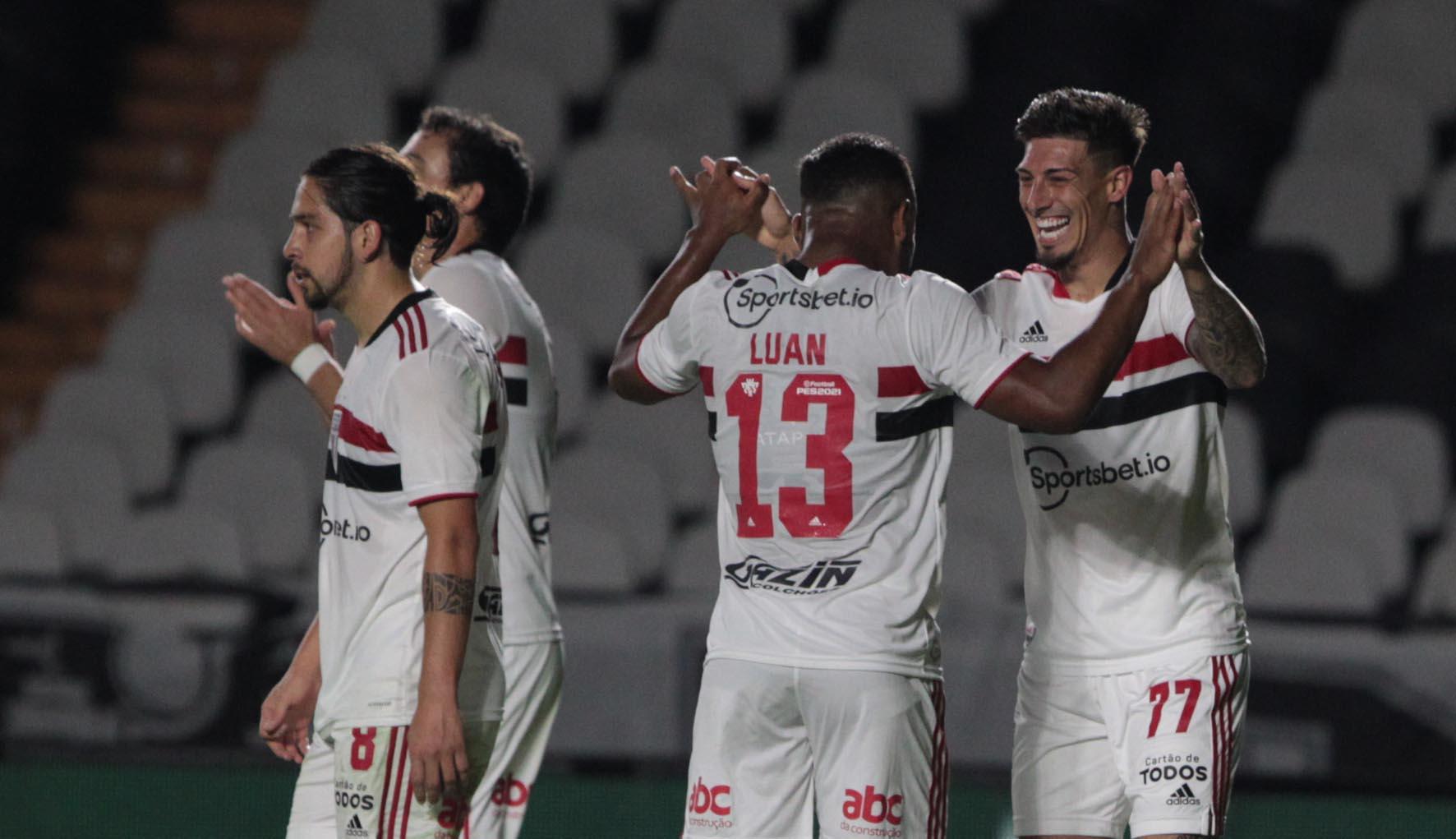 Em São Januário, Tricolor elimina o Vasco e avança na Copa do Brasil
