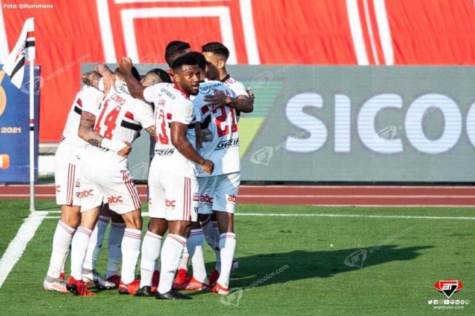Confira os bastidores da vitória sobre o Atlético-GO no Morumbi